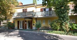 3 star pensiune Forgotten Garden Apartments and Rooms Portorož Slovenia