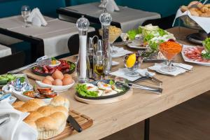 City Park Hotel, Hotels  Skopje - big - 48