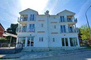 Apartments Marinic2, Тиват