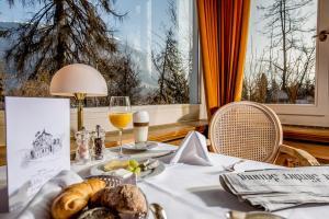 Romantik Hotel Schweizerhof, Hotels  Flims - big - 66