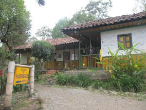 The Plantation House Travellers Hostel - Ibagué
