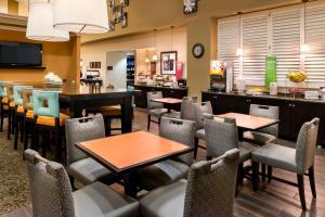 Hampton Inn & Suites Orlando-East UCF, Hotely  Orlando - big - 61
