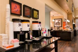 Hampton Inn & Suites Orlando-East UCF, Hotely  Orlando - big - 57