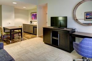 Hampton Inn & Suites Orlando-East UCF, Hotely  Orlando - big - 25