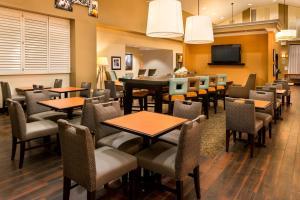 Hampton Inn & Suites Orlando-East UCF, Hotely  Orlando - big - 54