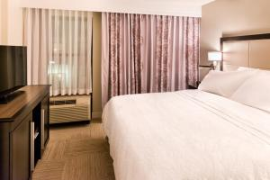 Hampton Inn & Suites Orlando-East UCF, Hotely  Orlando - big - 10