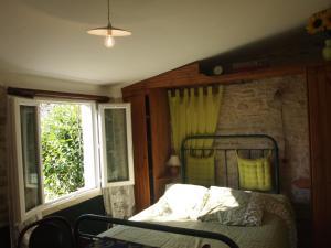 Chambres et Tables d'hôtes à l'Auberge Touristique, Bed and breakfasts  Meuvaines - big - 8