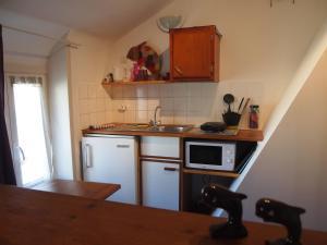 Chambres et Tables d'hôtes à l'Auberge Touristique, Bed and breakfasts  Meuvaines - big - 34