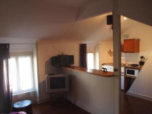 Chambres et Tables d'hôtes à l'Auberge Touristique, Bed and breakfasts  Meuvaines - big - 30
