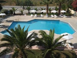 Hostales Baratos - Leonidas Hotel & Studios