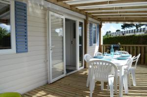 Location gîte, chambres d'hotes Beau mobilhome La Palmyre 4 étoiles dans le département Charente maritime 17