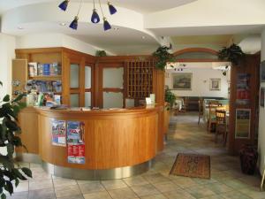 Hotel Zanella, Hotely  Nago-Torbole - big - 33