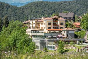 Hotel Alpenflora - AbcAlberghi.com
