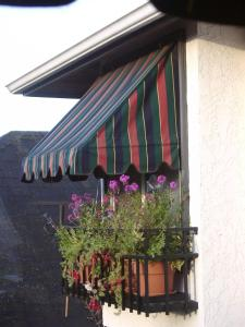 Heathergate Cottage and Suites - Accommodation - Victoria