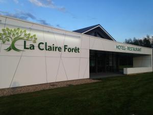 Location gîte, chambres d'hotes Hotel - Restaurant La Claire Forêt dans le département Moselle 57