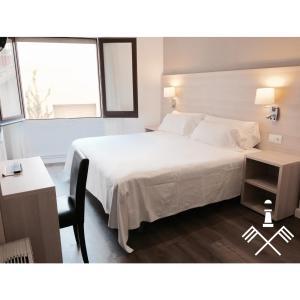 Hotel Carbonell, Hotely  Llança - big - 9