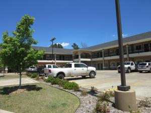Executive Inn and Suites Tyler, Мотели  Тайлер - big - 27