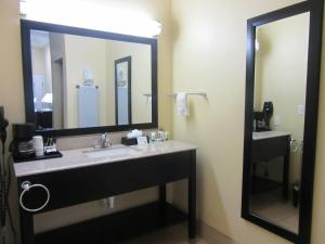 Executive Inn and Suites Tyler, Мотели  Тайлер - big - 28