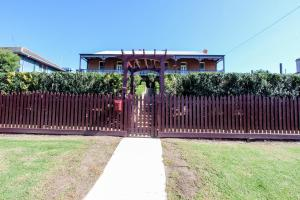 Bairnsdale Bed and Breakfast, Bed and breakfasts  Bairnsdale - big - 14