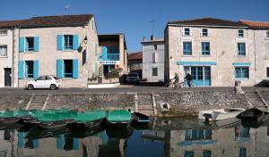 Location gîte, chambres d'hotes Hotel Au Marais dans le département Deux Sèvres 79