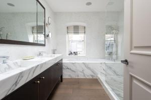 onefinestay - South Kensington private homes III, Апартаменты  Лондон - big - 156