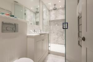 onefinestay - South Kensington private homes III, Апартаменты  Лондон - big - 139
