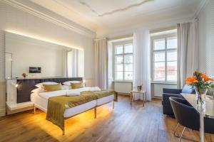Golden Star, Hotely - Praha