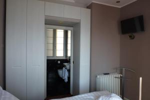 Michelangelo B&B, Bed & Breakfast  Varenna - big - 27