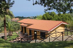 Borgo San Cosmo Tropea, Bed & Breakfasts  Brattirò - big - 116