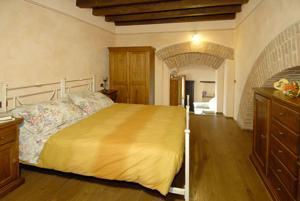 Osteria Del Borgo B&B, Отели типа «постель и завтрак»  Монтепульчано - big - 4