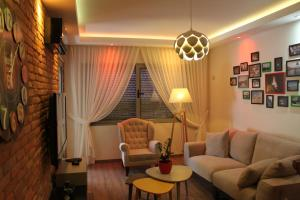 Tirana Smart Home - Kusi