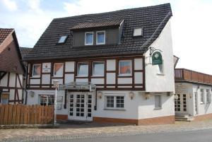 Hotel- Restaurant Zum Kleinen König - Densberg