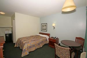 Royal Inn and Suites Charlotte Airport, Motely  Charlotte - big - 6