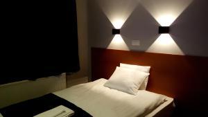 Hotel Austur.  Mynd 3