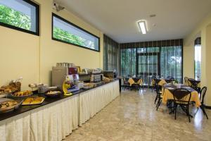 Hotel Beau Soleil, Hotels  Cesenatico - big - 32