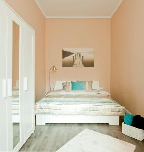 Bright flat in heart of the city