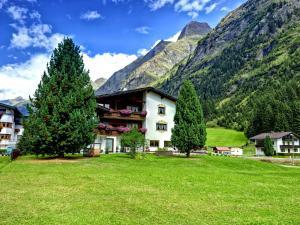 Gletscher-Landhaus Brunnenkogel - Hotel - Sankt Leonhard im Pitztal
