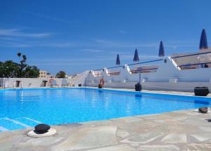 Adamastos, Hotels - Akrotiri