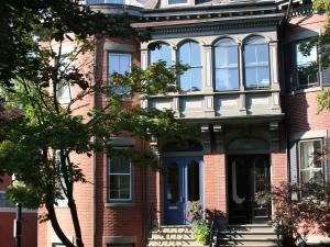 Encore Bed and Breakfast - Accommodation - Boston