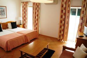Oasis Beach Apartments, Aparthotels  Luz - big - 97