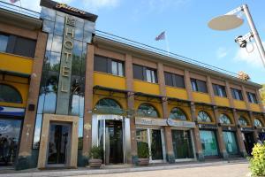 Hotel Futura Centro Congressi - AbcAlberghi.com