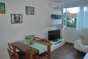 Cozy Apartment in Zemun, Апартаменты  Белград - big - 14