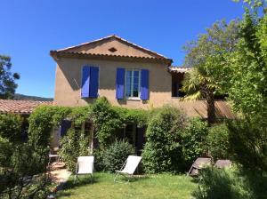 Location gîte, chambres d'hotes Clos des Iris dans le département Alpes de haute provence 4