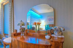 Berthoud Inn & Events, Bed & Breakfast  Berthoud - big - 85