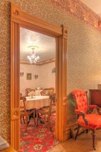 Berthoud Inn & Events, Bed & Breakfast  Berthoud - big - 124