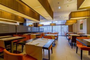 Hotel & Spa Villa Olimpica Suites, Отели  Барселона - big - 37