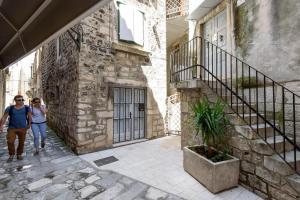Villa Kudelik - Stone Story, Bed and breakfasts  Trogir - big - 118