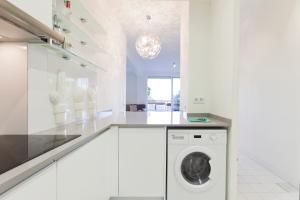 Casa Dante, Apartmány  Barcelona - big - 28