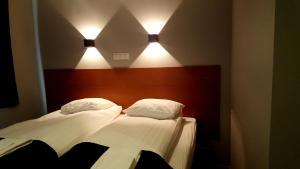 Hotel Austur.  Mynd 8