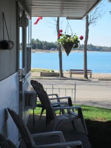 Balm Beach Resort and Motel - Midland